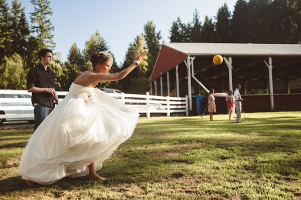 bocce-ball-wedding-yard-game-carlybish-photography